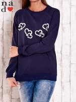 Granatowa bluza z motywem serduszek                                  zdj.                                  1