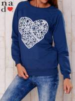Granatowa bluza z nadrukiem serca