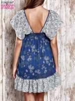 Granatowa sukienka baby doll w kwiatki                                  zdj.                                  2