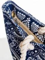 Granatowa torba plażowa w indyjskie wzory