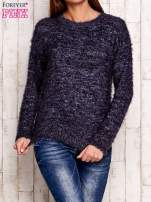 Granatowy melanżowy sweter z dłuższym włosem                                  zdj.                                  1