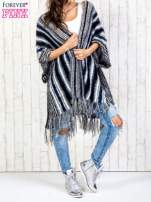 Granatowy sweter poncho z frędzlami