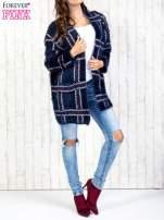 Granatowy sweter w kratę z kieszeniami                                                                          zdj.                                                                         7