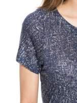 Granatowy t-shirt w srebrne plamki                                  zdj.                                  5