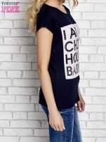 Granatowy t-shirt z napisem I AM CHOCOHOLIC BABY                                  zdj.                                  3