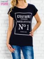 Granatowy t-shirt z napisem PARIS STUDIO z dżetami                                  zdj.                                  1