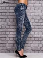 JEANS Ciemnoniebieskie spodnie jeansowe acid wash                                  zdj.                                  3