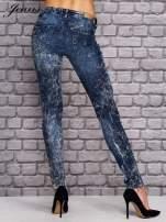 JEANS Ciemnoniebieskie spodnie jeansowe acid wash                                  zdj.                                  2