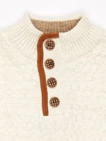 Jasnobeżowy sweter dla chłopca z plecionym wzorem                                  zdj.                                  3