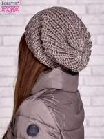 Jasnobrązowa dziergana czapka z cekinami                                  zdj.                                  2