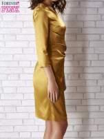 Jasnobrązowa sukienka ze srebrną kokardą                                                                           zdj.                                                                         2