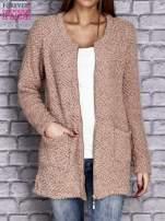 Jasnobrązowy sweter long hair zapinany na suwak                                  zdj.                                  5