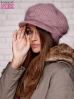Jasnofioletowa dziergana czapka z daszkiem                                                                           zdj.                                                                         3