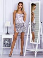 Jasnofioletowa sukienka w grochy z ozdobną spódnicą                                  zdj.                                  4