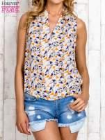 Jasnoniebieska bluzka koszulowa w geometryczne wzory