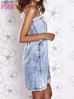 Jasnoniebieska dekatyzowana sukienka jeansowa z kieszeniami                                                                          zdj.                                                                         4