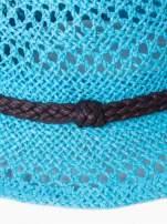 Jasnoniebieski damski kapelusz kowbojski z ciemną plecionką                                  zdj.                                  9