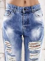Jasnoniebieskie spodnie boyfriend jeans z dziurami                                  zdj.                                  4