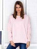 Jasnoróżowa bluza z listwą z perełek                                  zdj.                                  1