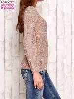 Jasnoróżowy sweter fluffy z cekinami                                  zdj.                                  3