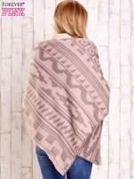 Jasnoróżowy szalik w azteckie wzory