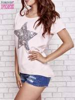 Jasnoróżowy t-shirt z gwiazdą z cekinów                                  zdj.                                  3