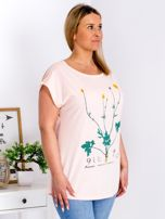 Jasnoróżowy t-shirt z jaskrami PLUS SIZE                                  zdj.                                  5