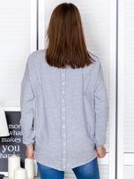 Jasnoszara bluza z listwą z perełek                                  zdj.                                  2