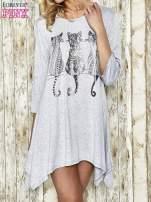 Jasnoszara sukienka damska z nadrukiem kotów                                  zdj.                                  1