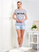 Jasnoszary t-shirt NOT ALONE                                  zdj.                                  4