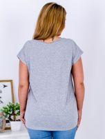Jasnoszary t-shirt z jaskrami PLUS SIZE                                  zdj.                                  2
