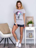 Jasnoszary t-shirt z parasolką                                  zdj.                                  4
