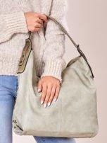 Jasnozielona torba z ćwiekami na pasku i nadrukiem                                  zdj.                                  3