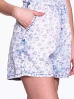 Jeansowy krótki kombinezon w róże