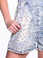 Jeansowy krótki kombinezon w stokrotki