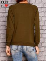 Khaki bluza z ornamentowym nadrukiem                                  zdj.                                  4