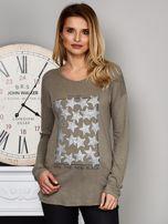 Khaki bluzka z nadrukiem cekinowych gwiazd                                  zdj.                                  1