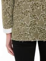 Khaki bluzka z surowym wykończeniem we wzór gwiazd                                  zdj.                                  8