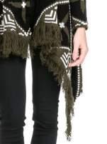 Khaki sweter narzutka w azteckie wzory z frędzlami                                                                          zdj.                                                                         6