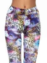 Kolorowe legginsy z lamparcim nadrukiem                                  zdj.                                  5