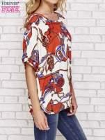 Koralowa bluzka koszulowa z biżuteryjnym nadrukiem