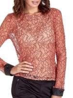 Koralowa bluzka koszulowa z koronki ze skórzanymi mankietami