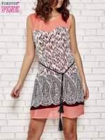 Koralowa sukienka boho z paskiem z frędzlami                                  zdj.                                  1
