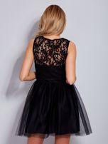 Koronkowa sukienka czarna z tiulowym dołem                                  zdj.                                  2