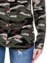 Koszula damska we wzór moro z ćwiekami na kołnierzyku                                  zdj.                                  3