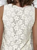 Kremowa koronkowa sukienka z wiązaniem przy dekolcie                                  zdj.                                  7