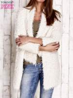 Granatowy asymetryczny sweter z szerokim kołnierzem                                                                          zdj.                                                                         1