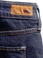LEVIS Granatowe dopasowane jeansy PLUS SIZE                                  zdj.                                  5