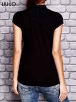 LIU JO Czarny t-shirt z guzikami                                  zdj.                                  3