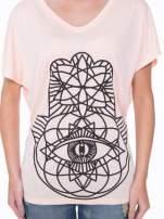 Łososiowy t-shirt z ornamentowym nadrukiem                                  zdj.                                  7